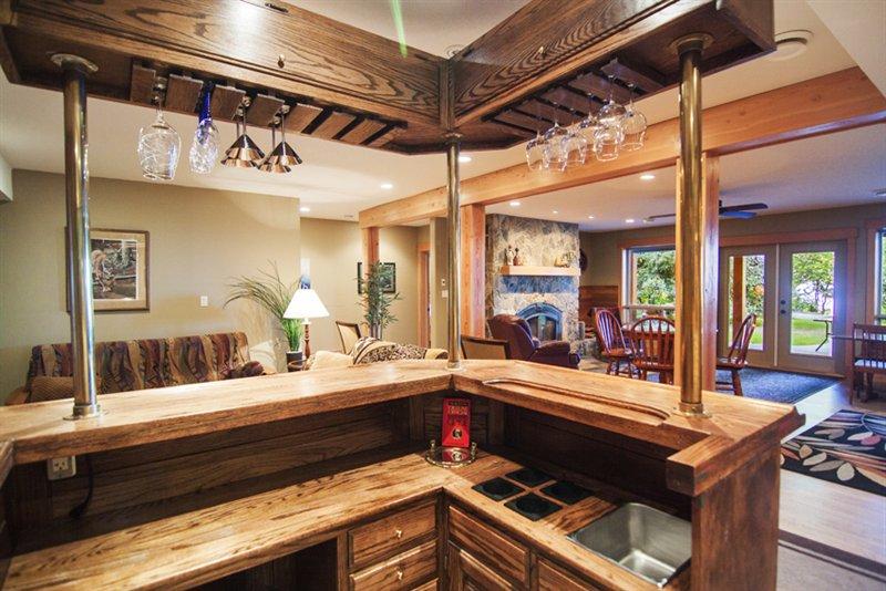 Bar/Rec Room