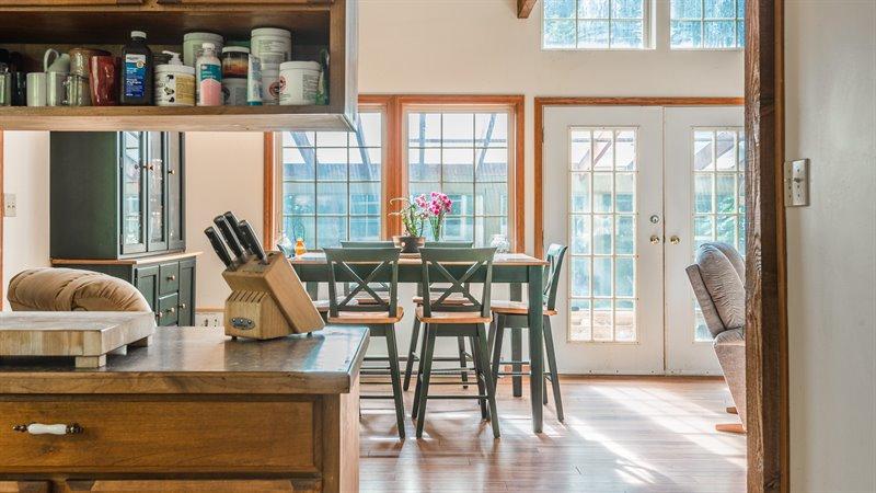 Dining Room - Door to Sunroom